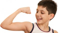 niño biceps
